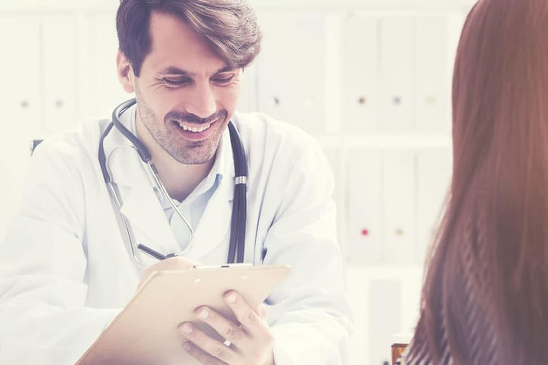 Dépistage du cancer du col de l'utérus: frottis, âge, fréquence
