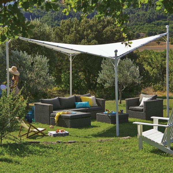 un espace de d tente dans le jardin. Black Bedroom Furniture Sets. Home Design Ideas