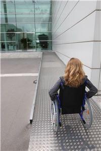 le fauteuil roulant est loin d'être une fatalité dans la fibromyalgie, même s'il