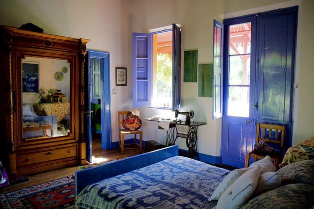 Chambre bleue lumineuse