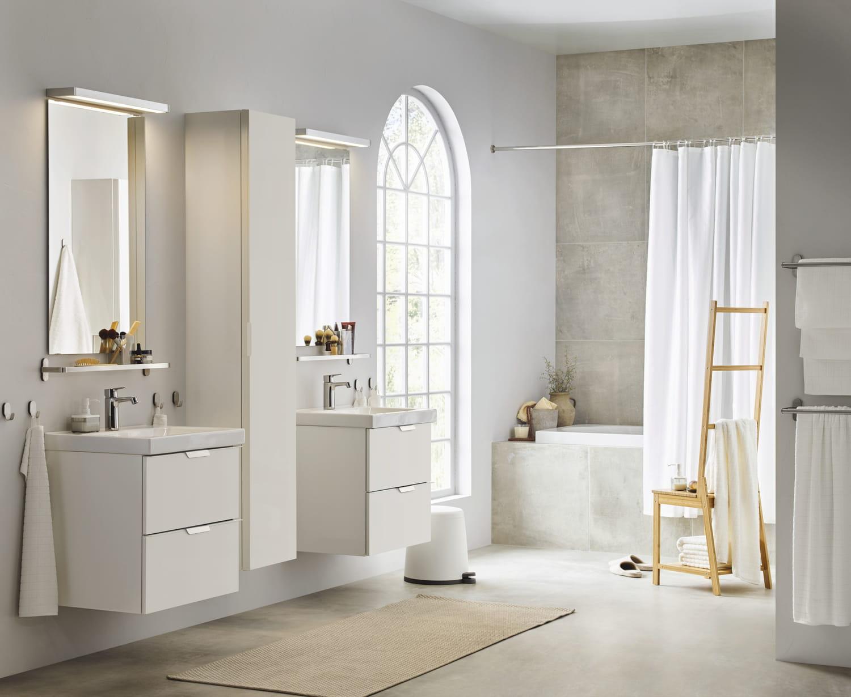 Salle de bains blanche: pourquoi faire honneur à cette valeur sûre?