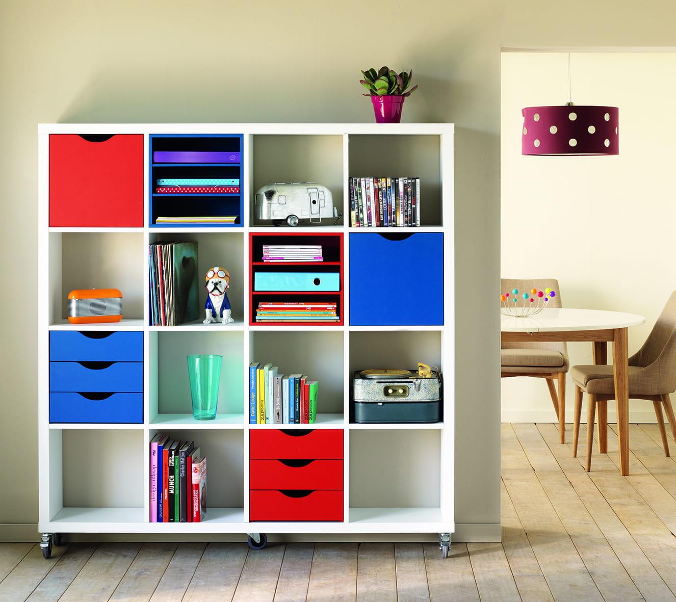 l 39 armoire sur roulettes kubico d 39 alin a. Black Bedroom Furniture Sets. Home Design Ideas