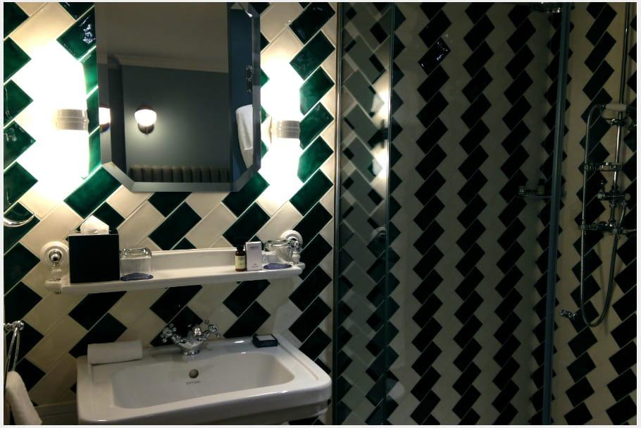 La salle de bain pour un voyage dans le temps
