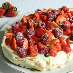 pavlova aux fraises et aux framboises