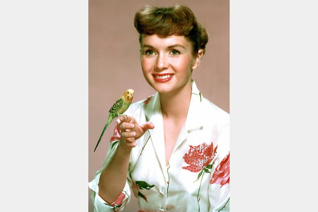 Debbie Reynolds, avec un oiseau