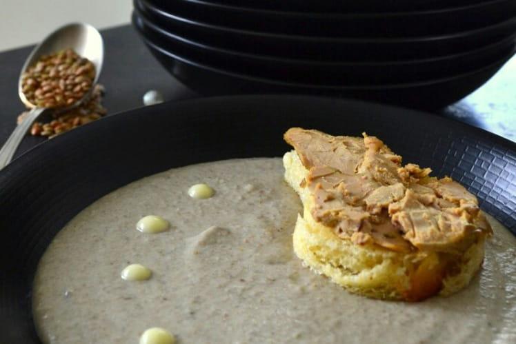 Crème de lentilles à l'Ossau-Iraty et son toast brioché de foie gras