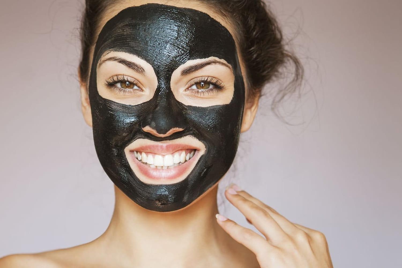 La tendance des masques anti-points noirs inquiète