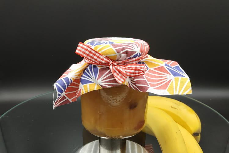 Confiture de bananes et raisins au rhum