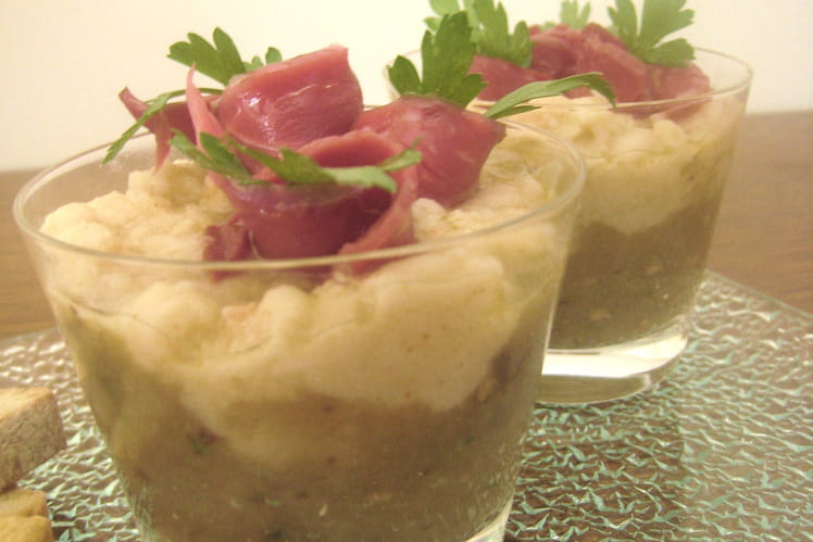 Verrines caviar d'aubergine, haricot blanc, magret fumé
