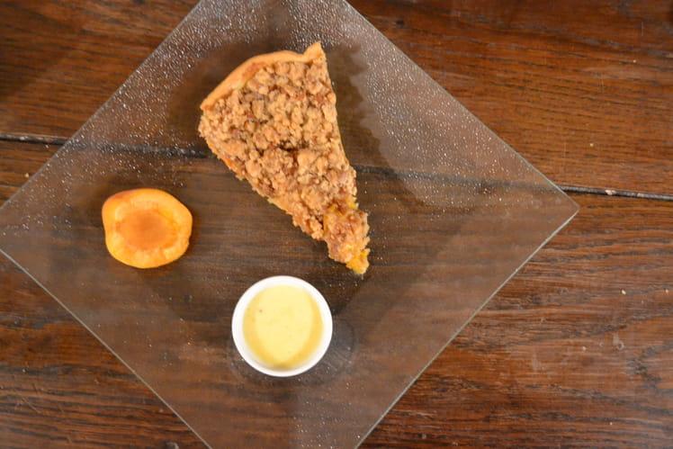 Tarte crumble abricots et spéculoos avec sa crème anglaise