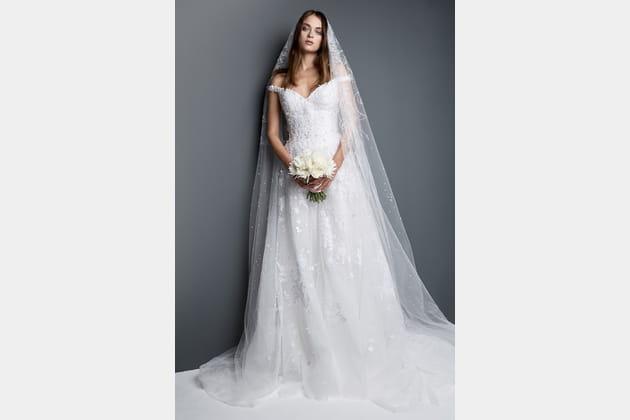 Robe de mariée à col bateau de Georges Hobeika