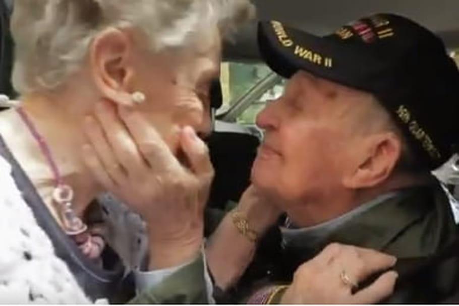 Un vétéran retrouve son amour de jeunesse 75ans après leur rencontre