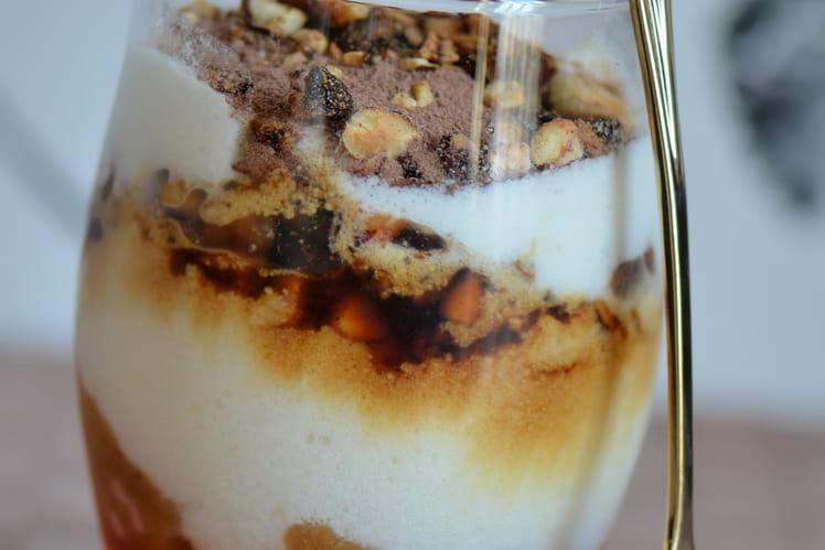 Tiramisu au miel, noisettes caramélisées et pain d'épices