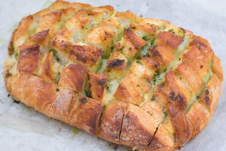 Pull apart bread au comté et persil