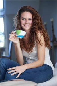 la caféine améliore la circulation sanguine dans le cerveau.