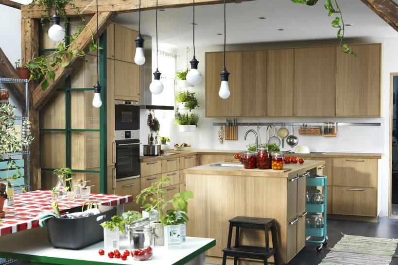 l 39 lot central de cuisine la mode ikea. Black Bedroom Furniture Sets. Home Design Ideas