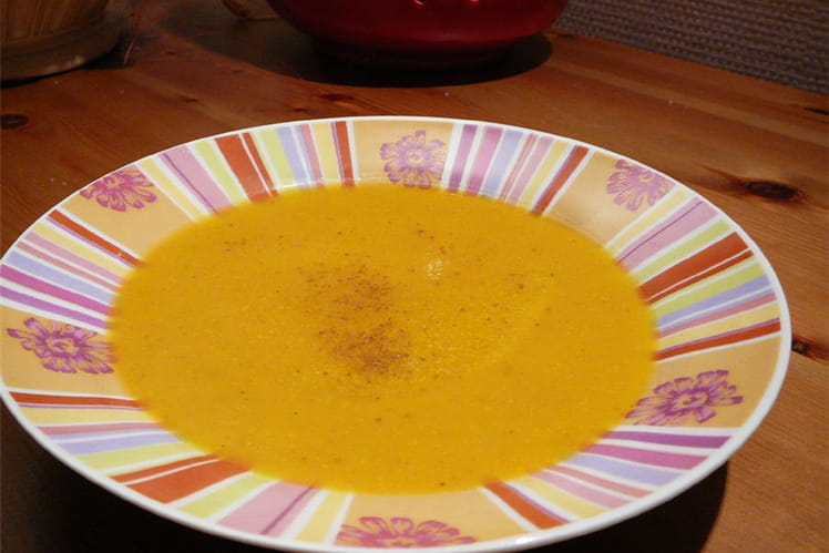 Velouté de carottes au lait de coco, cumin et coriandre