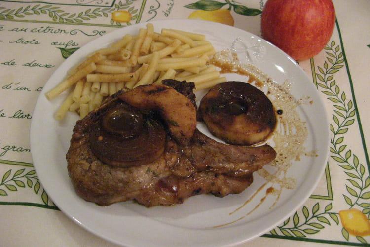 Côtes de porc aux pommes et sirop d'érable