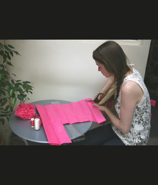 Découper le papier de soie