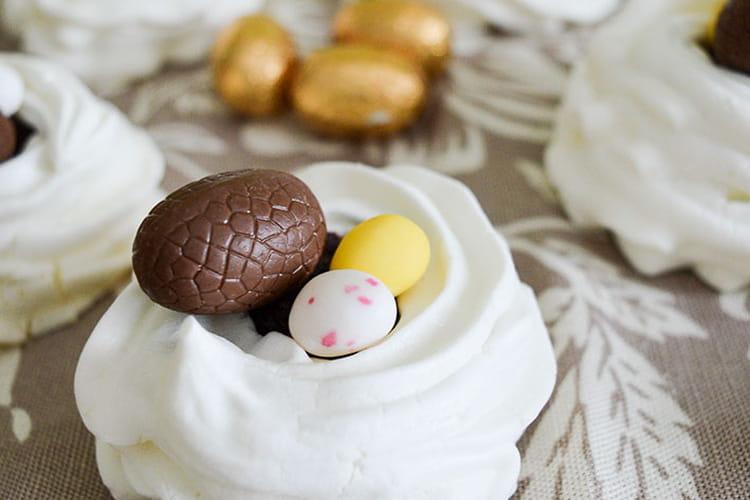 Nids de Pâques au chocolat façon pavlova