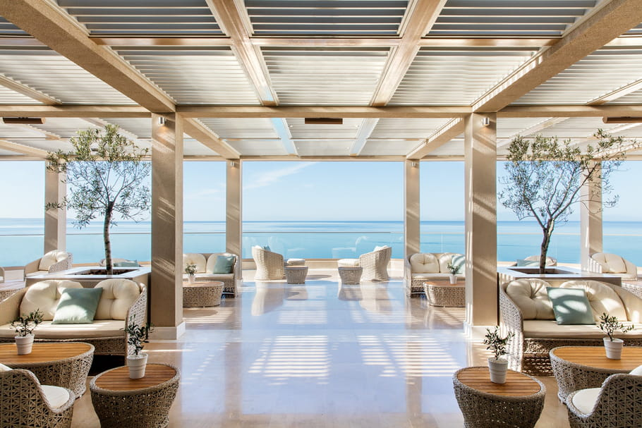 La véranda de l'hôtel Ikos Oceania