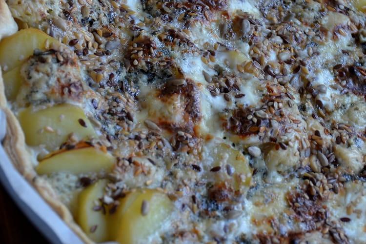 Tarte aux pommes de terre, bleu d'Auvergne et graines