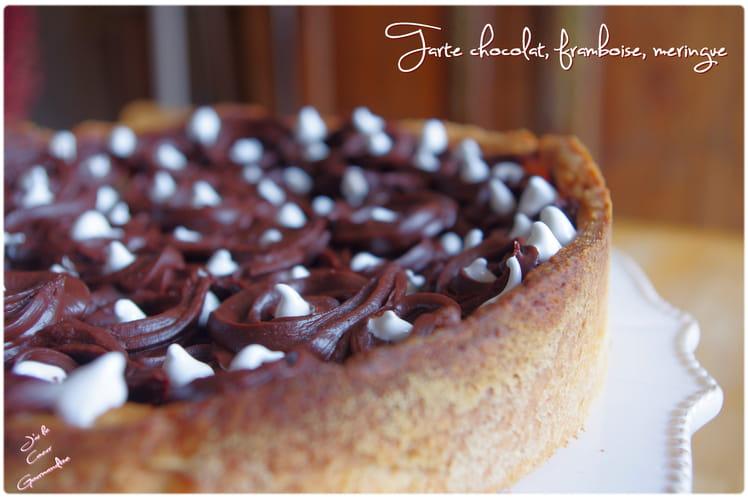 Tarte chocolat, framboises, meringue