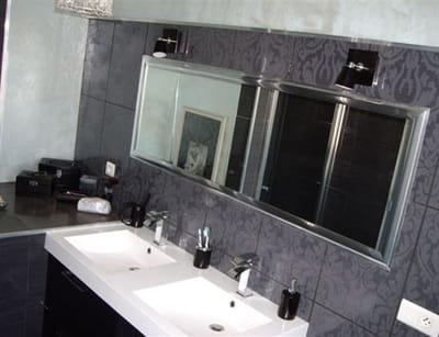 la salle de bains de tina