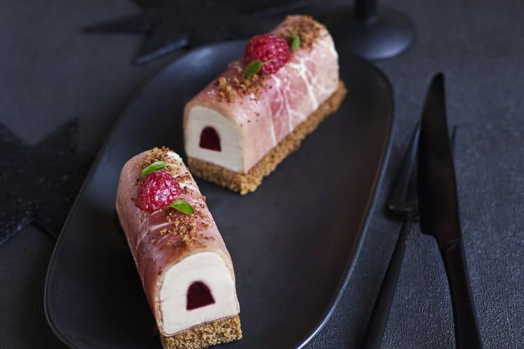 Bûche de Noël au foie gras et jambon cru
