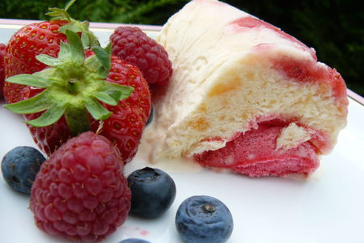 Vacherin au melon et aux fruits rouges