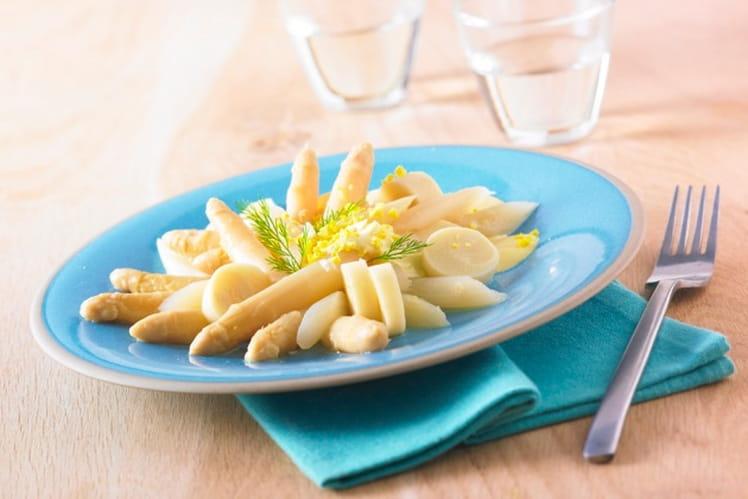 Salade blanche aux asperges et cœurs de palmiers