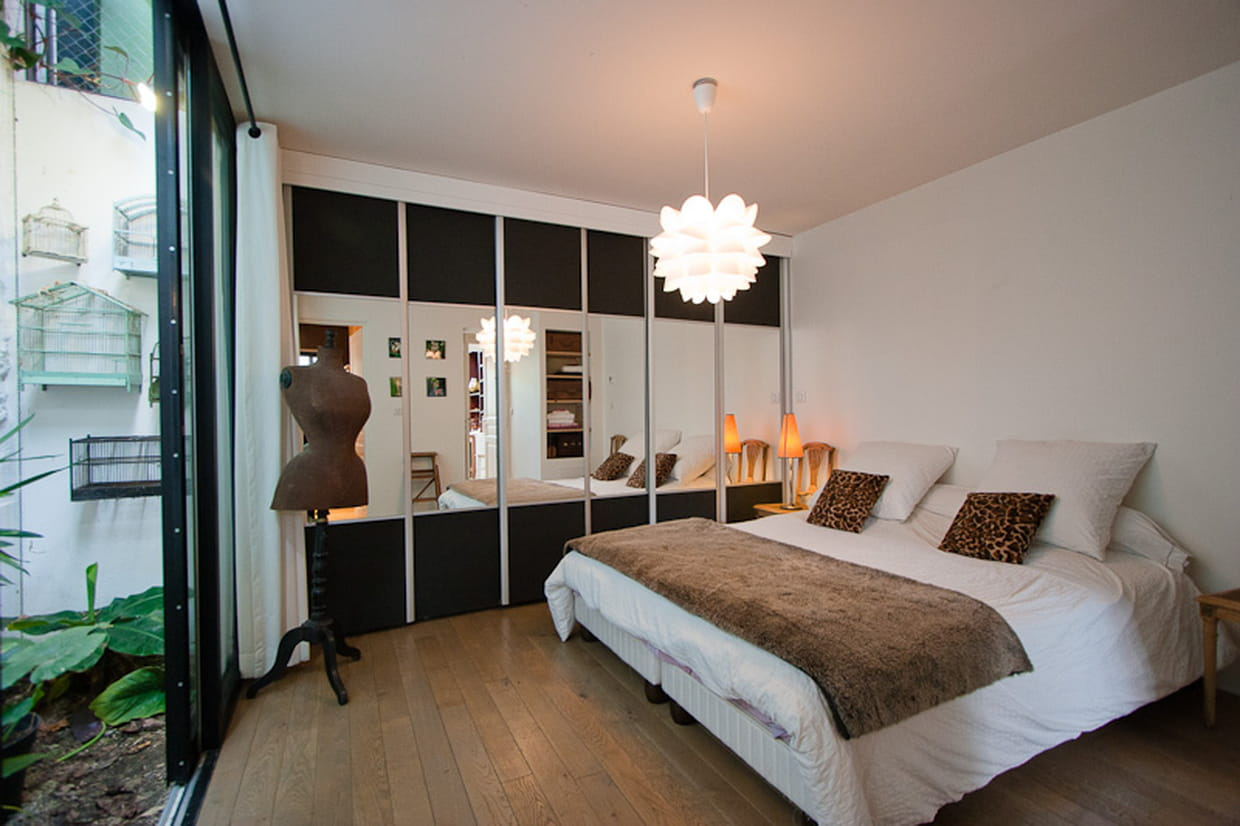 une chambre avec un mini jardin. Black Bedroom Furniture Sets. Home Design Ideas