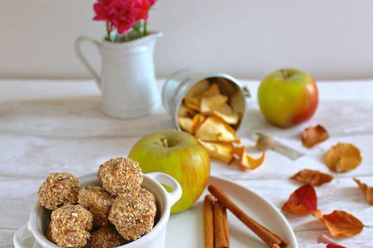 Boules énergétiques aux pommes et cannelle (vegan, sans gluten)