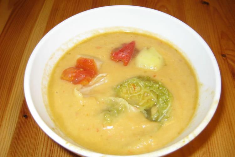 Soupe au chou et noix de coco