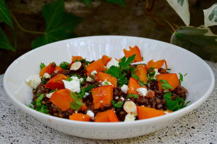 Salade de lentilles, potimarron rôti, noisettes grillées et feta
