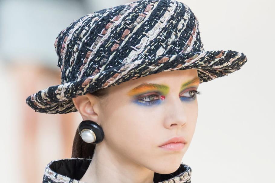 Le regard arc-en-ciel du défilé Chanel