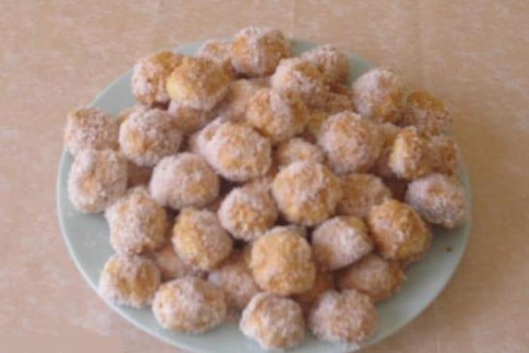 Petits gâteaux au caramel et noix de coco