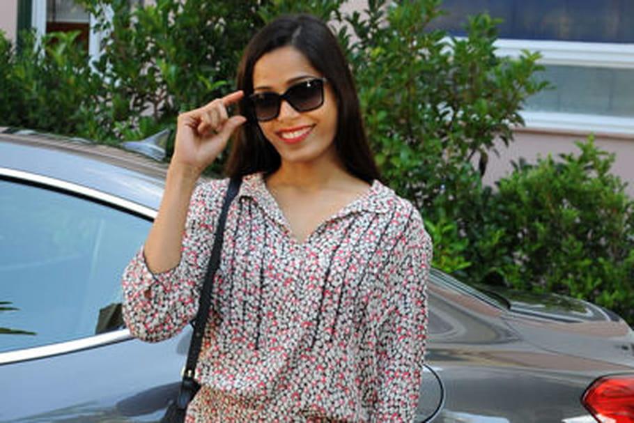 Le look people du jour: Freida Pinto, épanouie