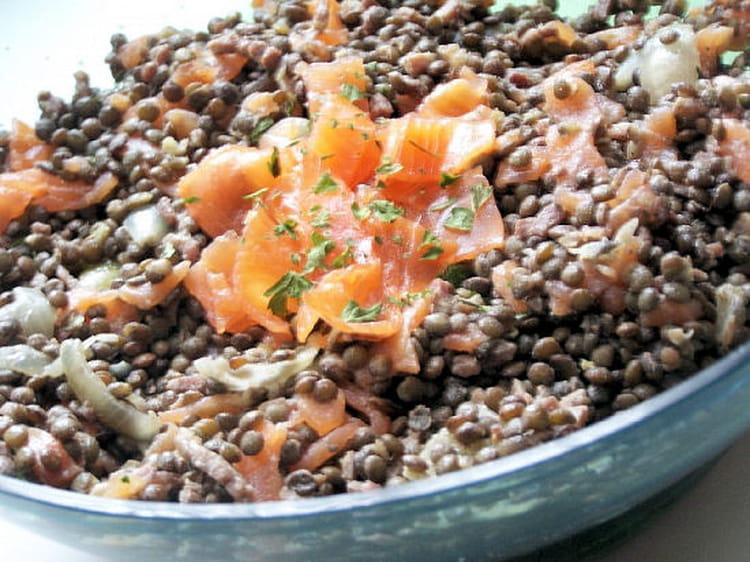 f410b2435f8c43 Recette de Salade de lentilles au saumon fumé   la recette facile