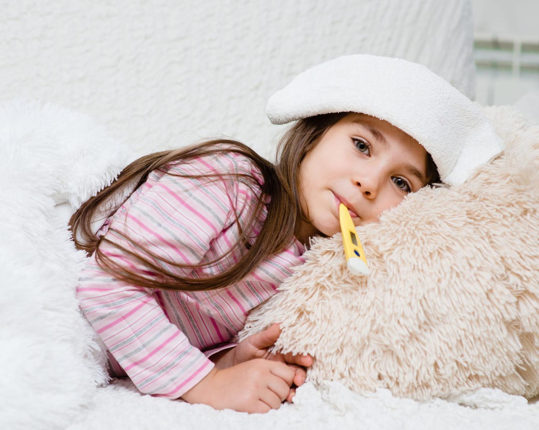 Enfant qui a la grippe: symptômes, que faire?