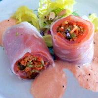 rouleaux de printemps au saumon espuma a la tomate
