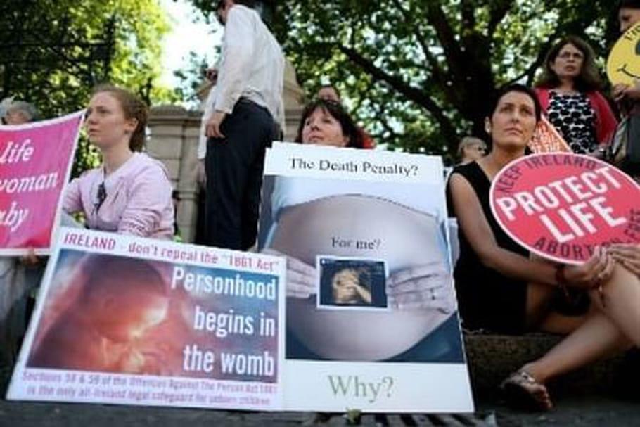 #TwoWomenTravel : le périple d'une Irlandaise pour se faire avorter