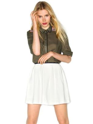 Tenues légères pour le bureau   la chemise et la jupe de Naf Naf bf60127f1c2
