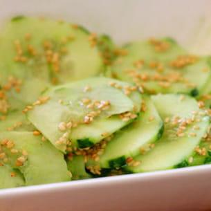 salade de concombre au wasabi et sésame