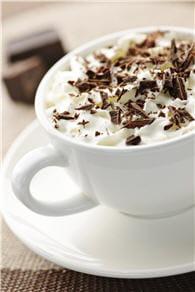 de nombreuses boissons contiennent de la caféine.