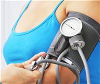 avant 40 ans et sans antécédent, un contrôle annuel de la pression artérielle