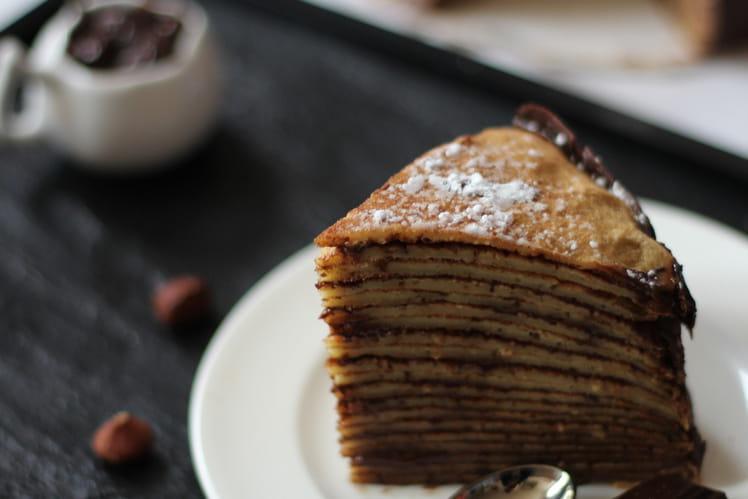 Gâteau de crêpes au chocolat et noisettes
