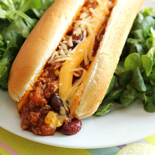 hot chili con carne cheddar sandwich