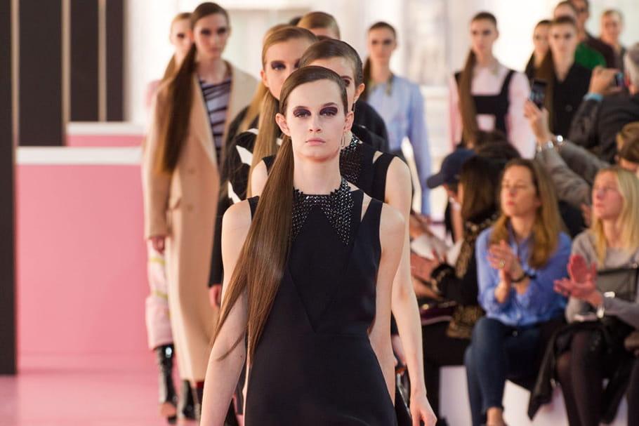 Défilé Christian Dior prêt-à-porter automne-hiver 2015-2016 : féminité animale
