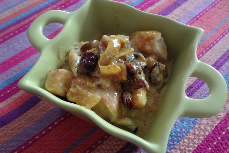 Curry de poulet aux cranberries et noix